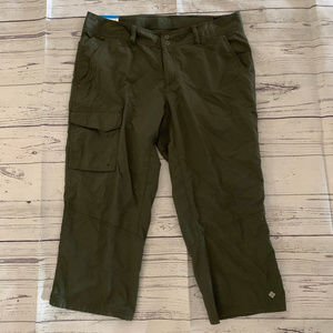 NEW Columbia Omni-Shade Olive Green Crop Pants 10